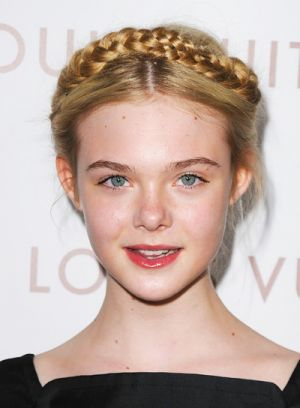 elle fanning braided hairstyle
