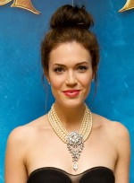 file_52_8131_date-night-hairstyles-mandy-moore-03NEW