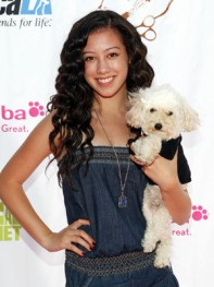file_16_8401_celebs-who-look-like-their-dogs-keana-texeira-15
