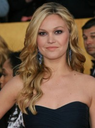 file_20_8261_at-home-prom-hair-makeup-julia-stiles-06
