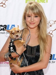 file_36_8401_celebs-who-look-like-their-dogs-taylor-spreitler-16