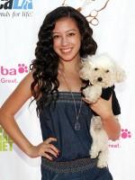 file_92_8401_celebs-who-look-like-their-dogs-keana-texeira-15