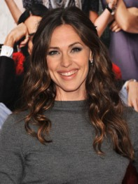 file_5_8561_wavy-hairstyles-jennifer-garner-04