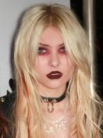 file_27_8921_worst-celeb-makeup-08