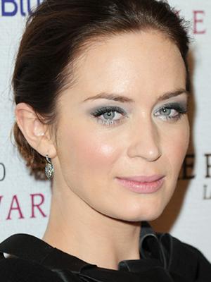 emily blunt pastel eyeshadow
