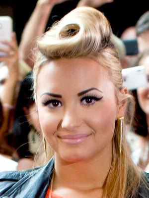 Bad Eyebrows – The 9 Worst Celebrity Offenders | StyleCaster