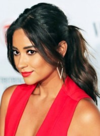 file_59806_Shay-Mitchell-Long-Black-Romantic-Ponytail-Hairstyle-275