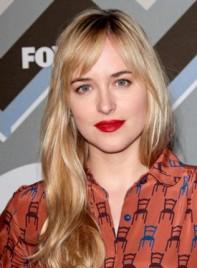 file_59851_dakota-johnson-long-wavy-blonde-hairstyle-bangs-275