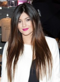 file_59857_kylie-jenner-long-brunette-tousled-straight-hairstyle-275