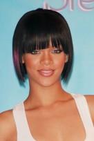 file_118_14341_rihanna-hairstyles-blunt-bob-bangs