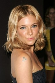 file_3_14441_sienna-miller-mini-star-tattoo-beauty-riot