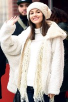 file_40_14551_beauty-riot-beanies-victoria-justice