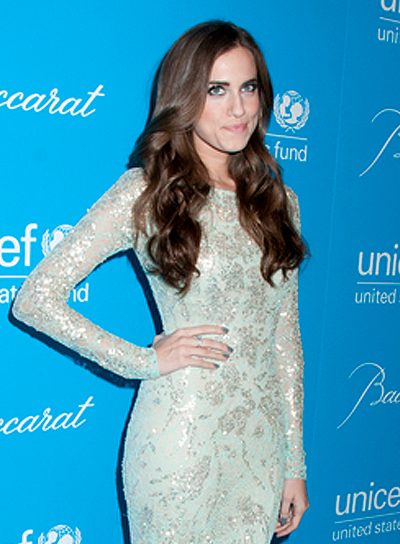 Allison Williams' Long, Wavy, Brunette, Party Hairstyle