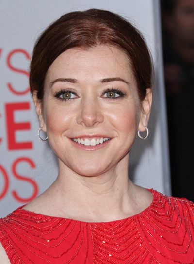 Alyson Hannigan Chic, Red Updo
