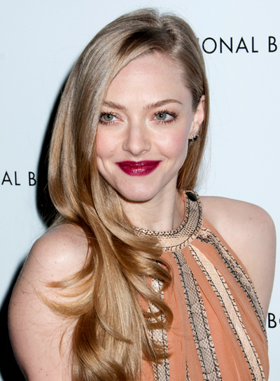 Amanda Seyfried's Long, Romantic, Chic, Blonde Hairstyle