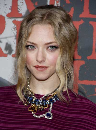 Amanda Seyfried Wavy, Romantic, Prom, Blonde Updo