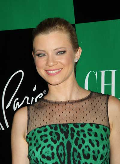 Amy Smart Chic, Blonde Updo