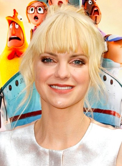 Anna Faris' Long, Blonde, Funky Updo Hairstyle with Bangs