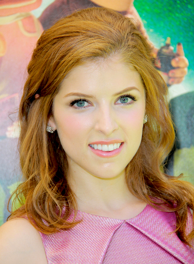Anna Kendrick's Medium, Wavy, Romantic, Tousled Hairstyle