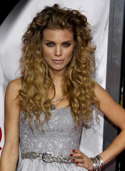 AnnaLynne McCord Long, Curly, Tousled Hairstyle