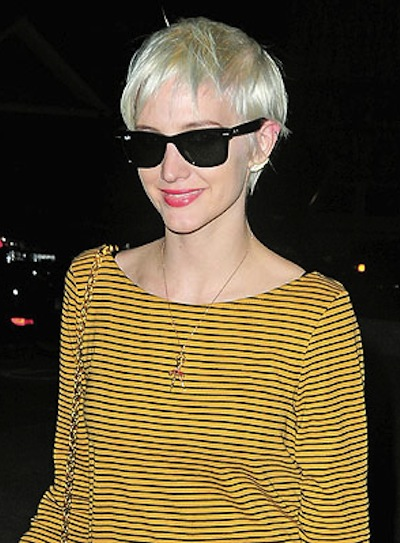 Ashlee Simpson Short, Blonde Haircut