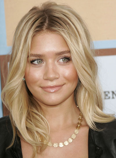 Ashley Olsen Blonde, Wavy Hairstyle