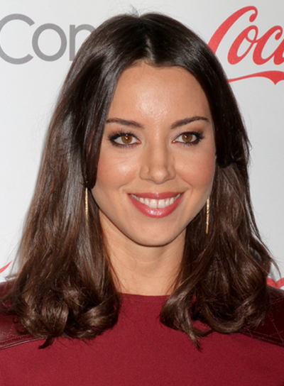 Aubrey Plaza's Medium, Brunette, Tousled, Romantic Hairstyle