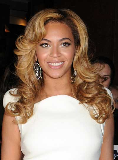 Beyonce Knowles Sexy, Curly, Thick Hairstyle