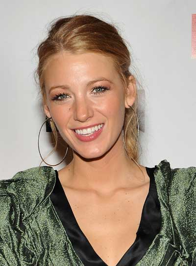 Blake Lively Chic, Blonde Ponytail
