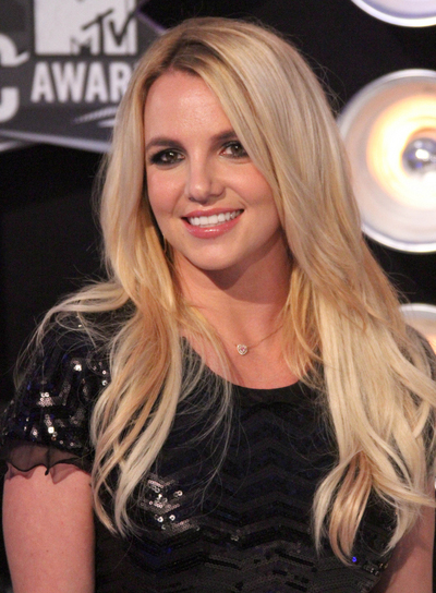 Britney Spears Long, Chic, Blonde Hairstyle