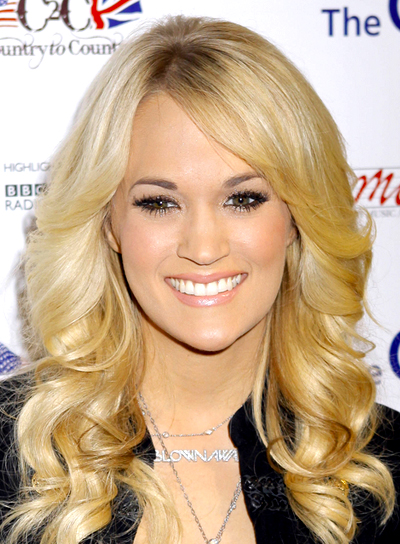 Carrie Underwood's Long, Blonde, Wavy, Romantic Hairstyle