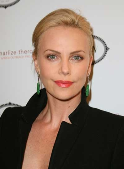 Charlize Theron's Blonde Updo