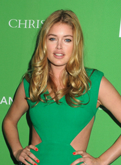 Doutzen Kroes Long, Curly, Sexy, Blonde Hairstyle