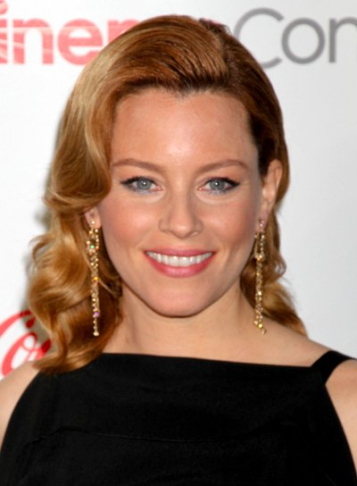 Elizabeth Banks' Medium, Wavy, Chic, Blonde Hairstyle