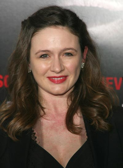 Emily Mortimer Romantic, Curly Hairstyle