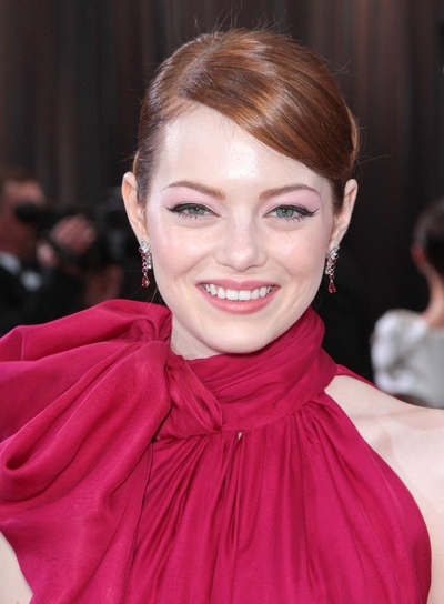 Emma Stone Chic, Red Updo