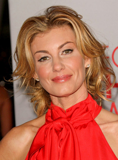 Faith Hill Short, Curly, Tousled, Blonde Hairstyle with Highlights
