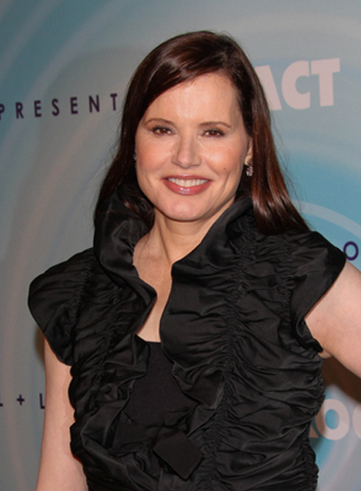 Geena Davis Medium, Straight, Brunette Hairstyle