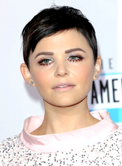 Ginnifer Goodwin's Chic, Short, Straight, Brunette Hairstyle