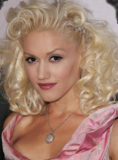 Gwen Stefani Curly, Blonde Hairstyle