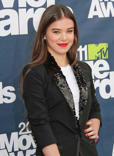 Hailee Steinfeld Long, Brunette Hairstyle