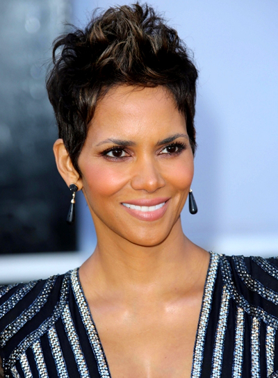 Halle Berry's Chic, Short, Edgy, Brunette Hairstyle