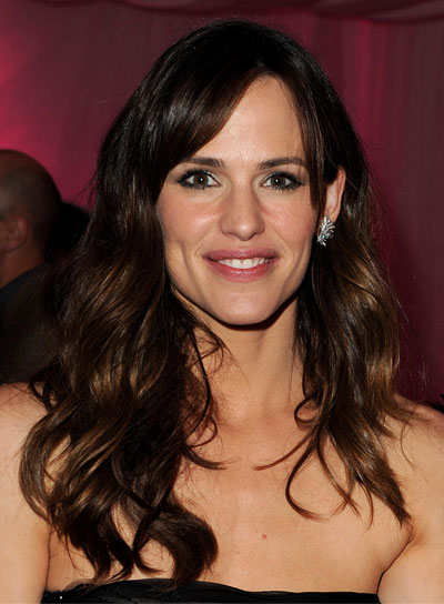 Jennifer Garner Long, Wavy, Tousled Brunette Hairstyle