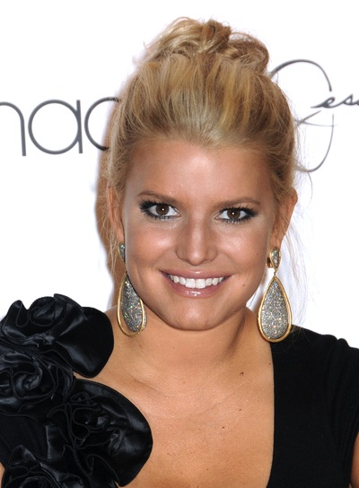 Jessica Simpson Chic, Blonde Updo