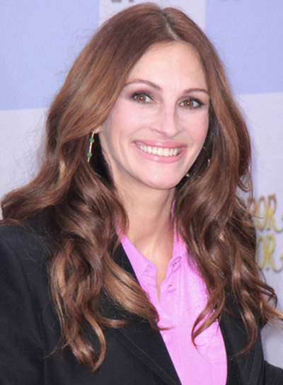 Julia Roberts' Long, Wavy, Sophisticated Hairstyle