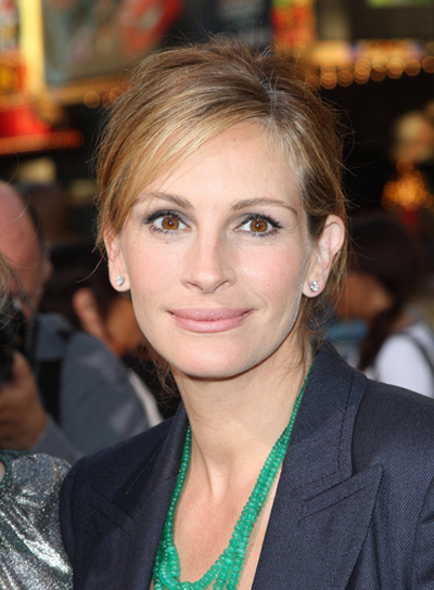 Julia Roberts Sophisticated, Red Updo with Highlights