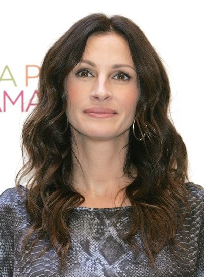 Julia Roberts Wavy, Sophisticated Hairstyle