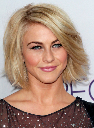 Julianne Hough's Short, Straight, Blonde, Romantic Hairstyle