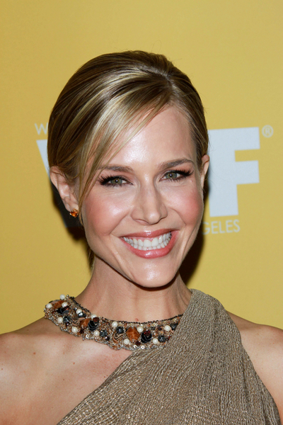 Julie Benz's Chic, Blonde, Straight, Ponytail Hairstyle