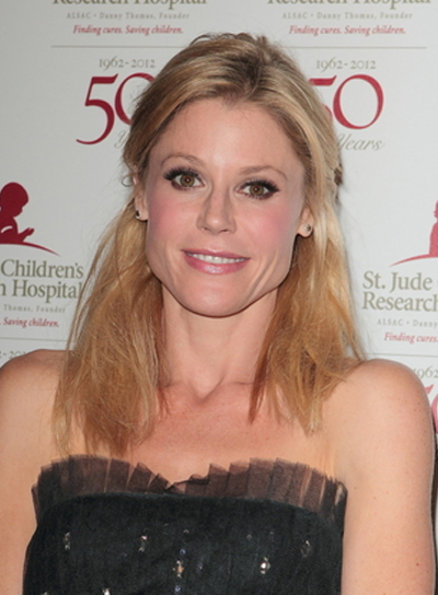 Julie Bowen Medium, Tousled, Chic, Blonde Half Updo